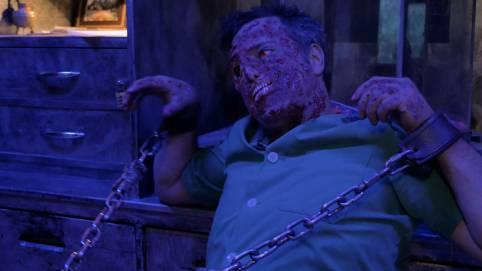 Atrapado en un cuarto con un zombie